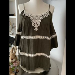 Maurices Blouse-Cold Shoulders❤️